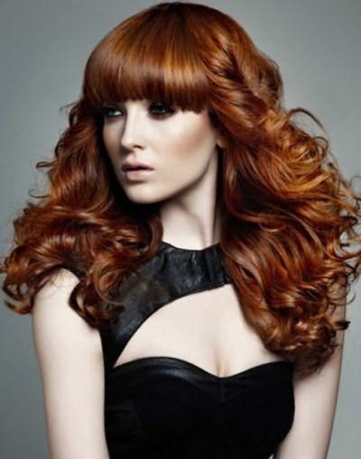 Красивые локоны смотрятся эффектно на волосах любой длины
