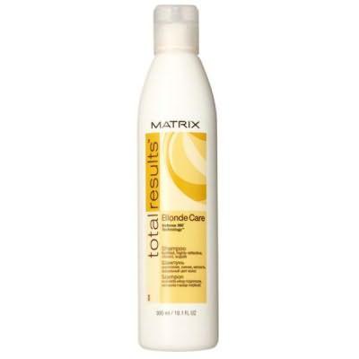 Блондинок косметологи одарили моющими препаратами, убирающими ненужную желтизну и дающими роскошные оттенки.
