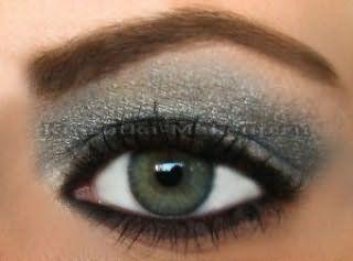 Красивый макияж для серых глаз.