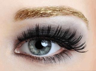 Эффектный макияж для серых глаз.