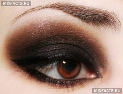 макияж для темных глаз с подводкой