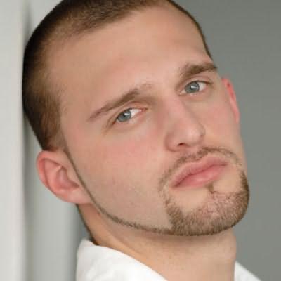 Идеальная бородка и бакенбарды - символ мужественности и стиля