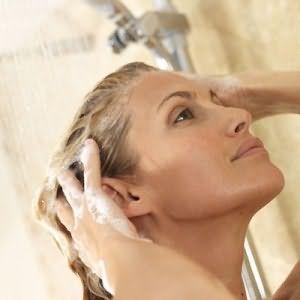 Желатиновый шампунь поможет вам забыть о ломких и секущихся волосах