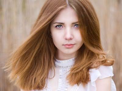 Волосы, окрашенные в карамельный цвет, нуждаются в регулярном уходе