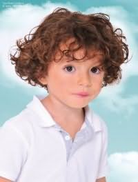 Детская стрижка для мальчиков с кудрявыми волосами