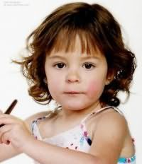 Детская стрижка с челкой для девочки