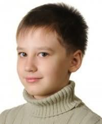 Детская стрижка для мальчиков с короткими волосами