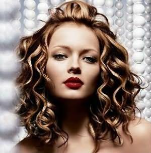 Эффект мокрых волос - оригинальная прическа для любой длины шевелюры.
