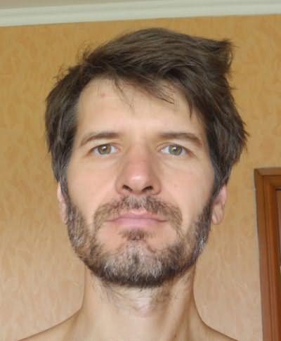 У многих мужчин даже в зрелом возрасте борода растет недостаточно активно
