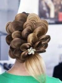 Ажурная прическа для длинных волос