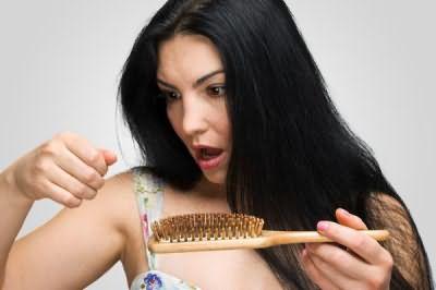 после родов выпадают волосы сильно что делать