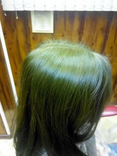 Волосы могут приобрести нежелательный оттенок