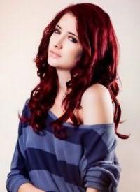 Темно-красный оттенок волос