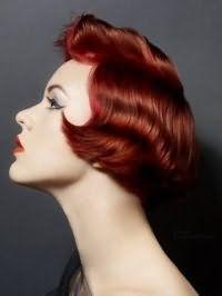 Прическа для коротких красных волос