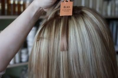 Определившись, когда после осветления можно красить волосы, переходите к этапу выбора оттенка, учитывая, что ре-пигментация выполняется на тон светлее желаемого результата