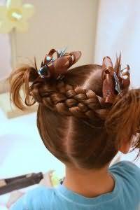 Оригинальная прическа с косами