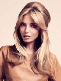Модная прическа бабетта для длинных волос