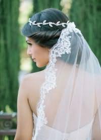 свадебные прически на длинные волосы с фатой8