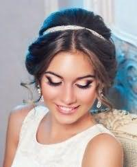 Греческая прическа на свадьбу для средних волос.