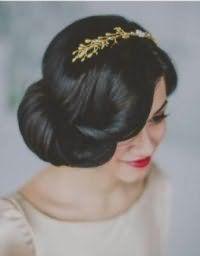 Стильная свадебная прическа в греческом стиле на средние волосы.