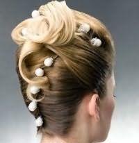 Свадебная прическа ракушка на средние волосы в стиле ретро.