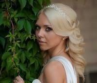 Свадебная прическа мальвинка на средние волосы.