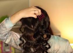 легкие прически с кудрями на длинные волосы 8