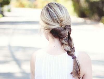 Объемная коса возможна и с редкими волосами