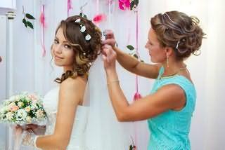 От правильно выбранного парикмахера зависит не только внешний вид невесты, но и ее настроение