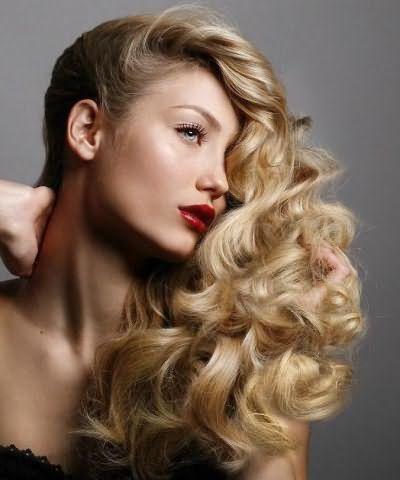 прическа с накрученными волосами