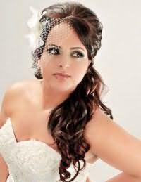 Прическа хвост на бок для невесты.