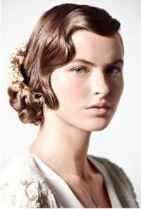 Свадебная ретро прическа голливудские волны на короткие волосы.