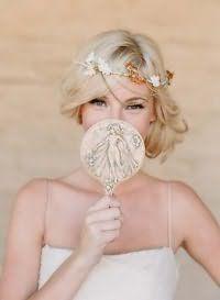 Ретро прическа на свадьбу для средних волос.