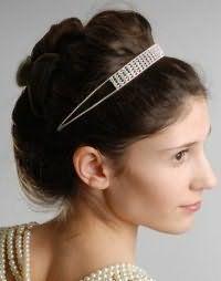 Свадебная ретро прическа с начесом на длинные волосы.