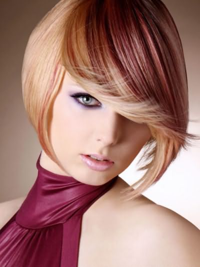 Шампунь придает яркость и сияние окрашенным волосам.