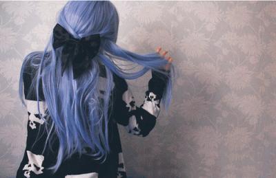 Локоны голубого цвета — это красиво, ярко и фантастически стильно