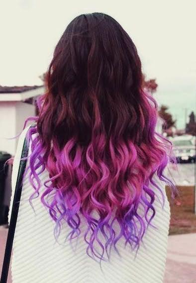 С помощью специальных порошков можно придать волосам временный цвет