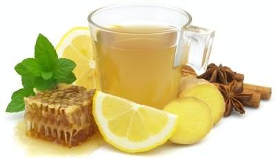 Лимон помогает в борьбе с перхотью