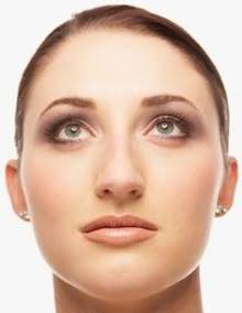 Большинство круглолицых дам не носят короткие стрижки, боясь, что они им будут не месту, но в реальности же, это ошибочное мнение.
