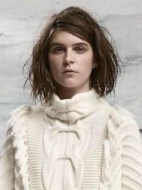 Модная женская стрижка на средние волосы 2017 10