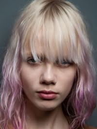 Модная женская стрижка на средние волосы 2017 11