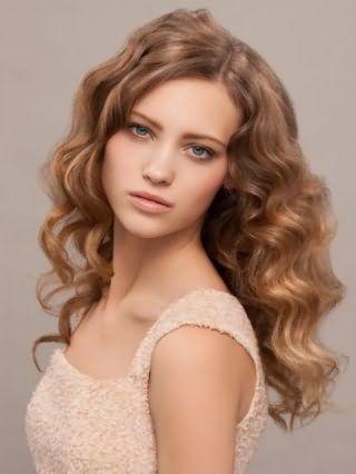 Женская стрижка для пушистых длинных волос