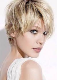 какая стрижка для тонких волос 8