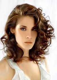 красивые стрижки на кудрявые волосы 6