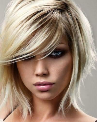 объемная стрижка на средние волосы с челкой