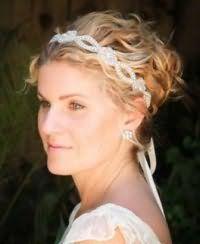 Греческая прическа на свадьбу для коротких волос.