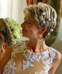 Укладка коротких волос на свадьбу.