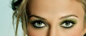 При создании макияжа обязательно учитывайте цвет глаз