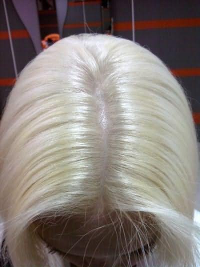 Так выглядят волосы после обесцвечивания