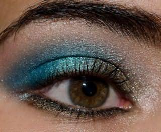 Бронзово-синий вечерний макияж для карих глаз